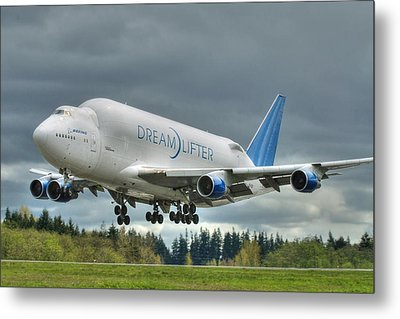 Metal Print featuring the photograph Dreamlifter Landing 2 by Jeff Cook