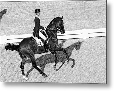 Dressage Une Noir Metal Print by Alice Gipson