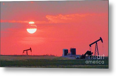 Metal Print featuring the photograph Rising Full Moon In Oklahoma by Janette Boyd