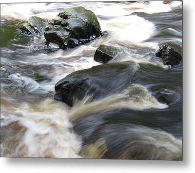 Drowning Images Metal Print by Richard Reeve