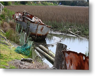 Dry Docked Metal Print by Paula Rountree Bischoff