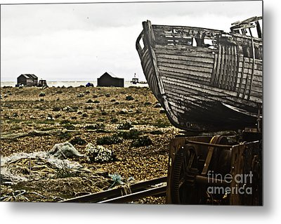 Dungeness Landscape Metal Print by Lesley Rigg