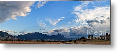 Metal Print featuring the photograph Dusk Over The Gallatin Range by Charles Kozierok