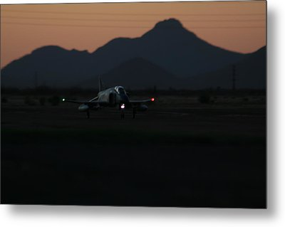 Dusk Return Metal Print
