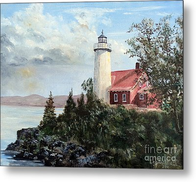 Eagle Harbor Light Metal Print by Lee Piper