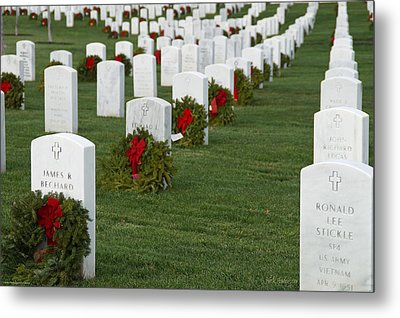 Eagle Point National Cemetery At Christmas Metal Print by Mick Anderson