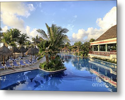 Metal Print featuring the photograph Early Morning At The Pool by Teresa Zieba