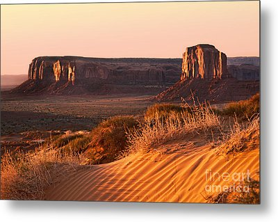 Early Morning In Monument Valley Metal Print by Jane Rix