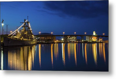 Metal Print featuring the photograph Early Morning On The Buffalo River by Don Nieman