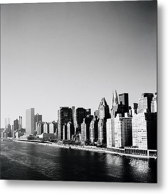 East River New York Metal Print by Shaun Higson
