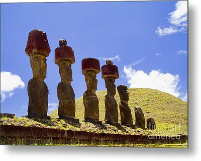 Easter Island Statues  Metal Print by David Smith