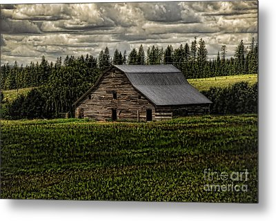 Eastside Road Barn Metal Print