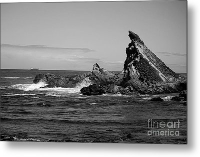 Edge Of The Sea Metal Print by Deena Otterstetter