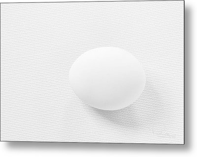 Metal Print featuring the photograph Egg On White Tablecloth by Ludwig Keck