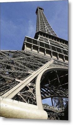Metal Print featuring the photograph Eiffel Tower by Belinda Greb