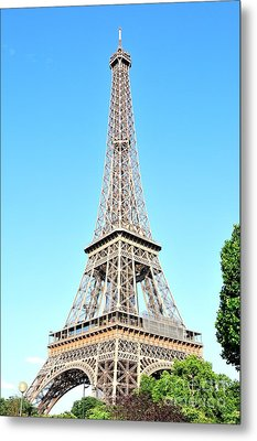 Metal Print featuring the photograph Eiffel Tower by Joe  Ng