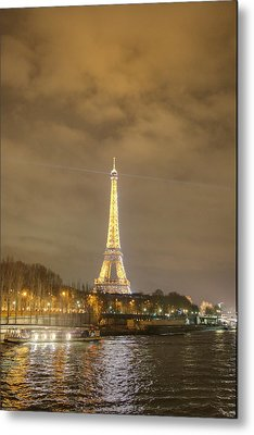 Eiffel Tower - Paris France - 011342 Metal Print by DC Photographer
