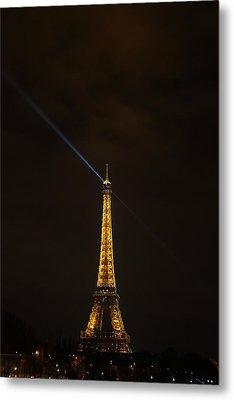 Eiffel Tower - Paris France - 011347 Metal Print by DC Photographer