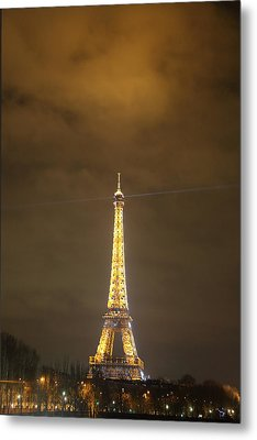 Eiffel Tower - Paris France - 011352 Metal Print by DC Photographer
