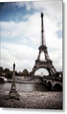 Eiffel Trinket Metal Print by Ryan Wyckoff