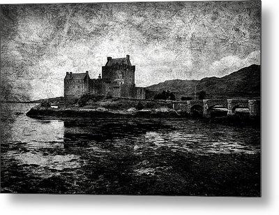 Eilean Donan Castle In Scotland Bw Metal Print by RicardMN Photography
