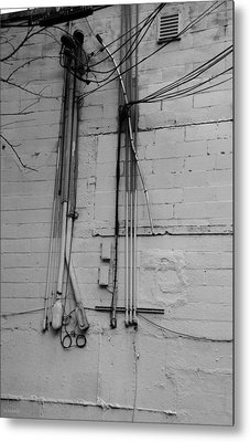 Electric Wall In Black And White Metal Print by Rob Hans