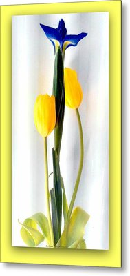 Elegance In Bloom Metal Print by Michelle Frizzell-Thompson