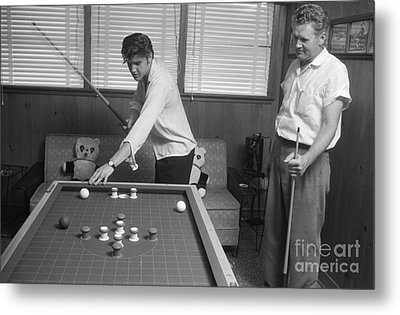 Elvis Presley And Vernon Playing Bumper Pool 1956 Metal Print