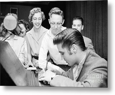 Elvis Presley Signing Autographs For Fans 1956 Metal Print by The Harrington Collection