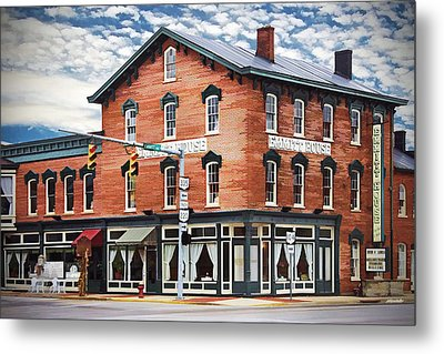 Metal Print featuring the photograph Emmitt House Corner by Jaki Miller