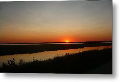 Ending Of A Day Metal Print by James Petersen