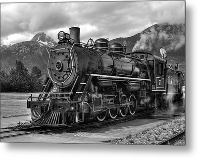 Metal Print featuring the photograph Engine 73 by Dawn Currie