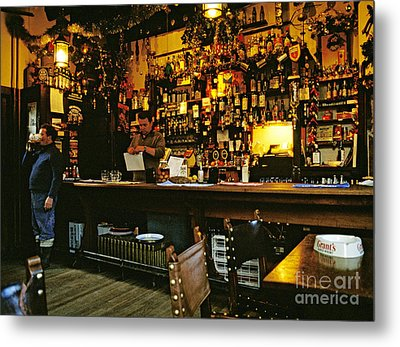 English Pub At Christmas-time Uk 1980s Metal Print by David Davies