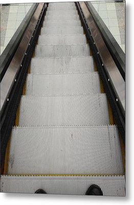 Escalator Metal Print by Les Cunliffe