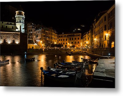 Metal Print featuring the photograph Evening In Vernazza - Cinque Terre Italy by Carl Amoth