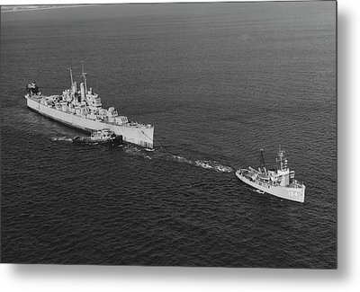 Ex-uss Vincennes Is Towed Out Of San Metal Print