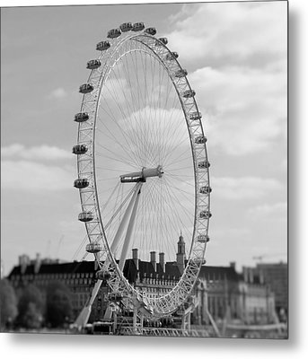 Eye Of London Metal Print by Gary Smith