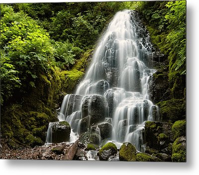 Metal Print featuring the photograph Fairy Falls by Brian Bonham