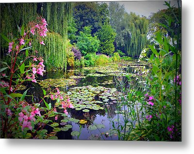 Fairy Tale Pond With Water Lilies And Willow Trees Metal Print by Carla Parris