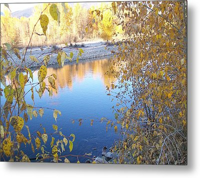 Metal Print featuring the photograph Fall Reflection by Jewel Hengen