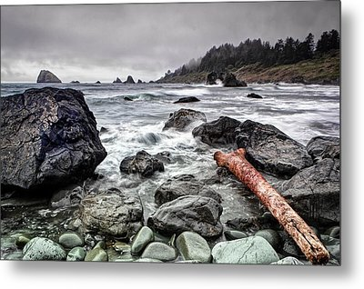 False Klamath Cove Metal Print by Chris Frost