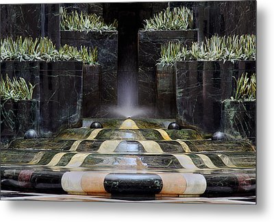 Metal Print featuring the photograph Fantastic Fountain by Glenn DiPaola