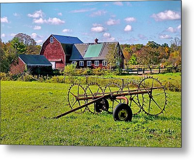 Metal Print featuring the photograph Farmland by Janice Drew