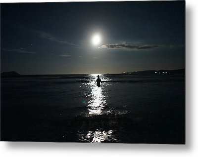 Fascinated By The Moon Metal Print by Chikako Hashimoto Lichnowsky