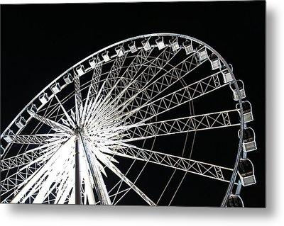 Ferris Wheel Metal Print by Nawarat Namphon