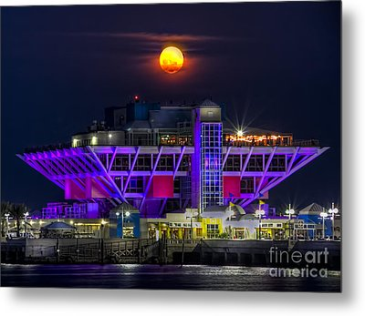 Final Moon Over The Pier Metal Print by Marvin Spates