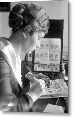 Fingerprint Analysis, 1918 Metal Print by Science Photo Library