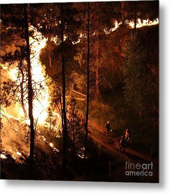 Firefighters Burn Out On The White Draw Fire Metal Print by Bill Gabbert