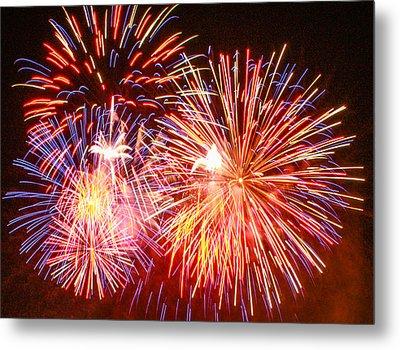 Fireworks 4th Of July Metal Print by Robert Hebert