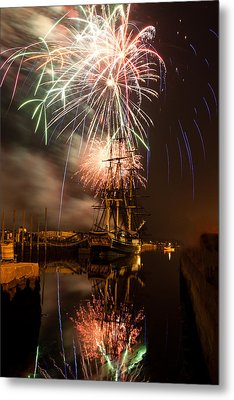 Fireworks Exploding Over Salem's Friendship Metal Print by Jeff Folger